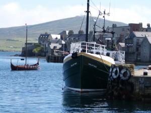 Der Hafen von Lerwik auf den Shetlands